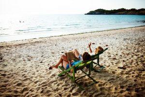 beach-chair-daylight